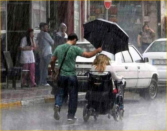 menolong orang lain-kiat manjur menghilangkan kesedihan