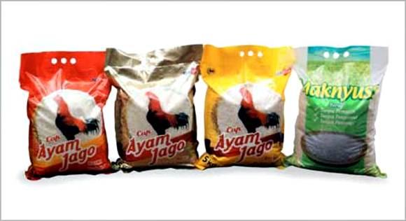 beras maknyuss dan ayam jago produksi PT TPSF Tbk