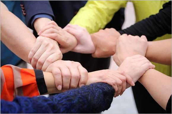 Bagaimana Cara Membuat Laporan Keuangan untuk Penggabungan 2 Perusahaan?