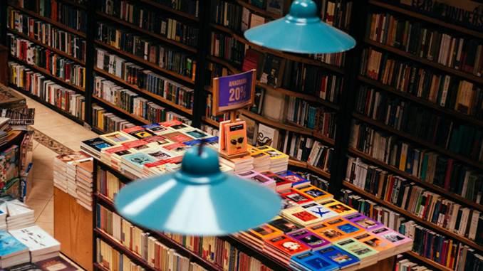 Usaha Dagang Buku