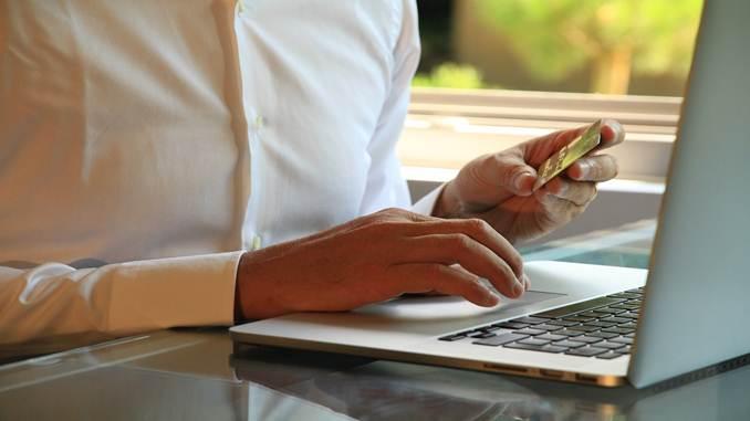 jurnal Transaksi penjualan dengan kartu kredit