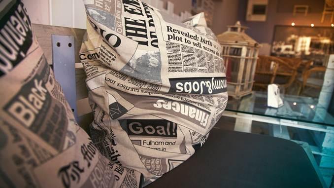 membuat ikan di surat kabar
