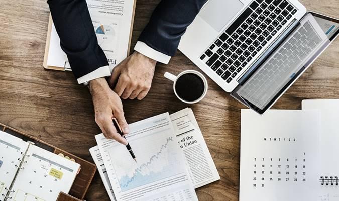 fungsi manajemen keuangan menurut para ahli