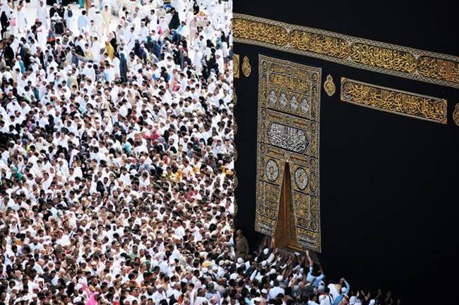 i'tikaf adalah berdiam diri di masjid